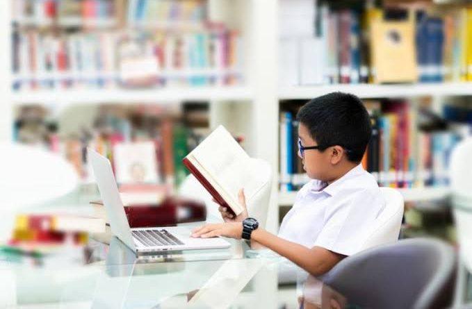 Strategi Komunikasi Public Relation dalam Meningkatkan Minat Baca di Perpustakaan